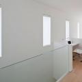inter-er-doma-v-stile-minimalizm-ot-kompanii-rck-design-18
