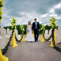 krasivy-j-svadebny-j-dekor-s-pomoshh-yu-tsvetov-11