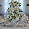 krasivy-j-svadebny-j-dekor-s-pomoshh-yu-tsvetov-15