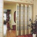 двери гармошка в интерьере вашего дома 9