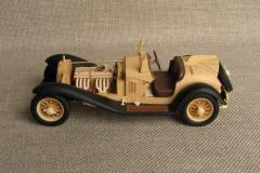 udivitel-ny-e-masshtabny-e-modeli-avtomobilej-iz-dereva-ot-alekseya-safonova-10
