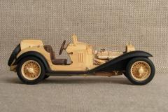 udivitel-ny-e-masshtabny-e-modeli-avtomobilej-iz-dereva-ot-alekseya-safonova-12
