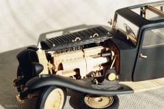 udivitel-ny-e-masshtabny-e-modeli-avtomobilej-iz-dereva-ot-alekseya-safonova-18