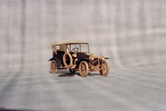 udivitel-ny-e-masshtabny-e-modeli-avtomobilej-iz-dereva-ot-alekseya-safonova-20