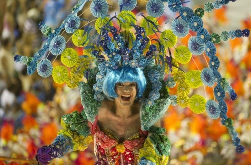 yarkij-karnaval-v-rio-2013-goda-53