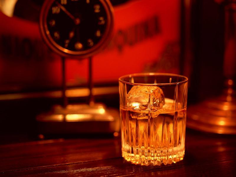 Не пропустите свежие скидки и акции в Whisky Rooms! Узнавайте о них на GdeBar.ru!