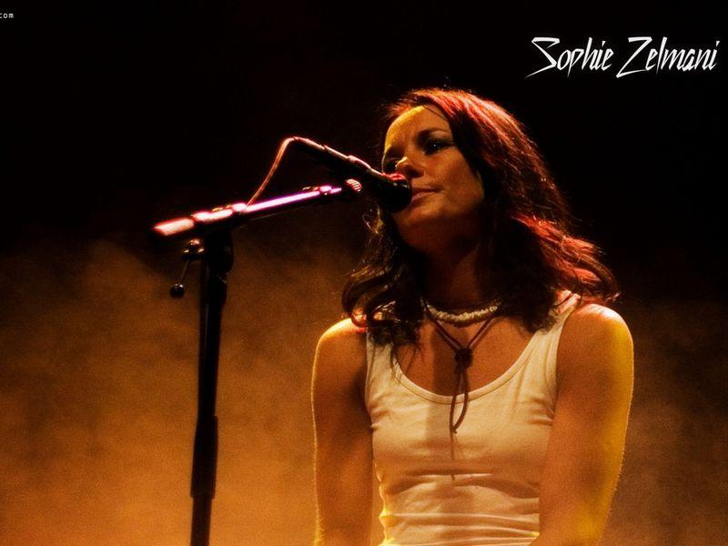 Шведская исполнительница Sophie Zelmani