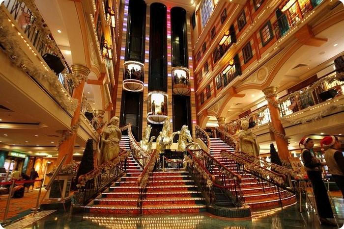Красивый интерьер казино