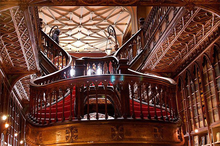 Livraria Lello - самый красивый книжный магазин в мире