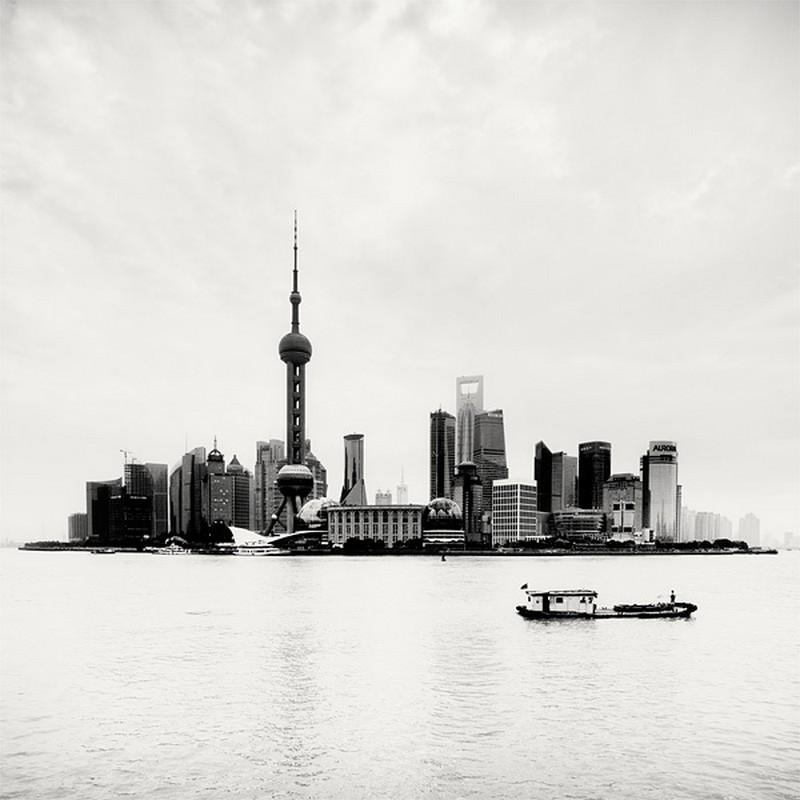 Красивые черно белые фото Шанхая от Martin Stavars