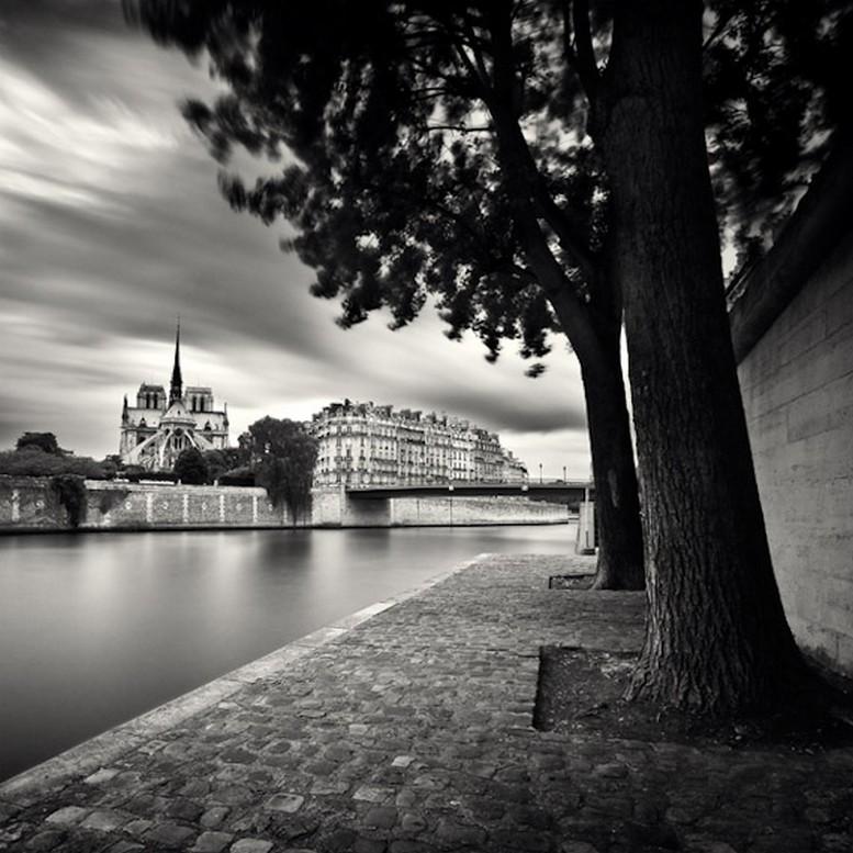 Черно-белые фото Парижа Damien Vassart