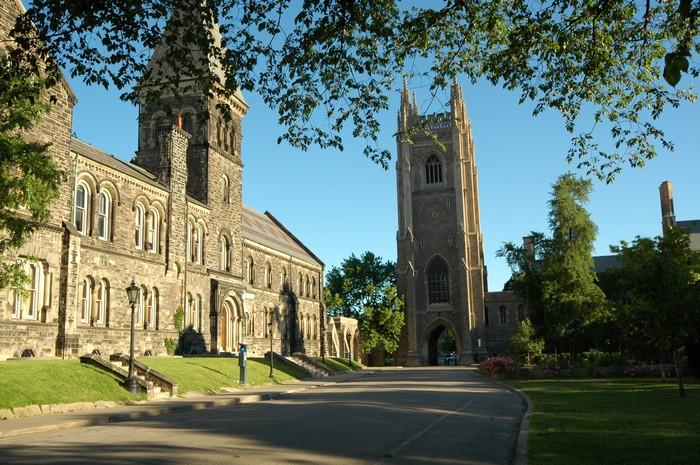 Фото-путешествие в Университет Торонто