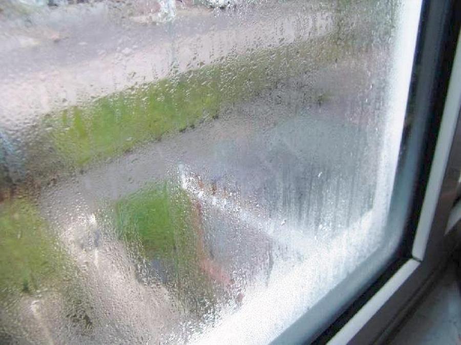 По какой причине пластиковые окна могут запотевать 3