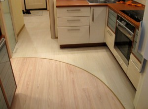 Можно ли использовать ламинат в кухне?