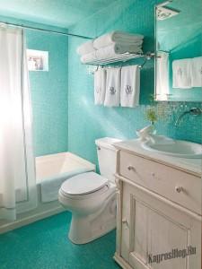 Интерьер маленькой ванной тоже можно обустроить по вашему вкусу 5