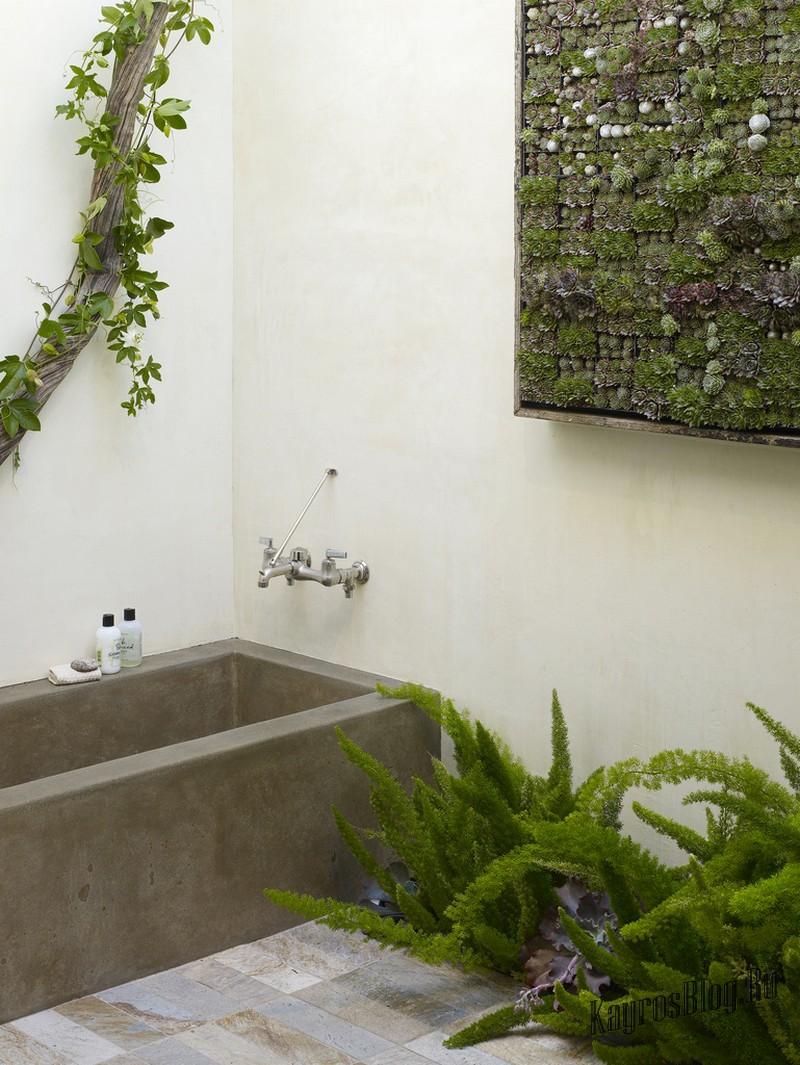 Искусственные цветы для ванны в интерьере