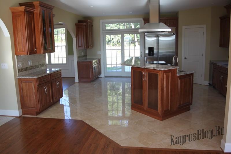 Комбинированные полы на кухне фото