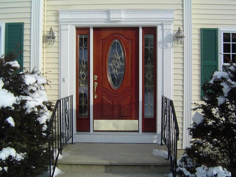 входные наружные двери для коттеджа