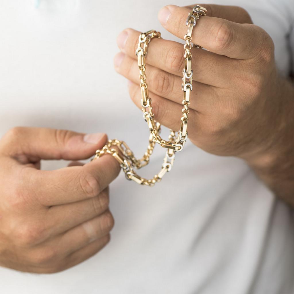 Почему покупают мужские золотые цепочки