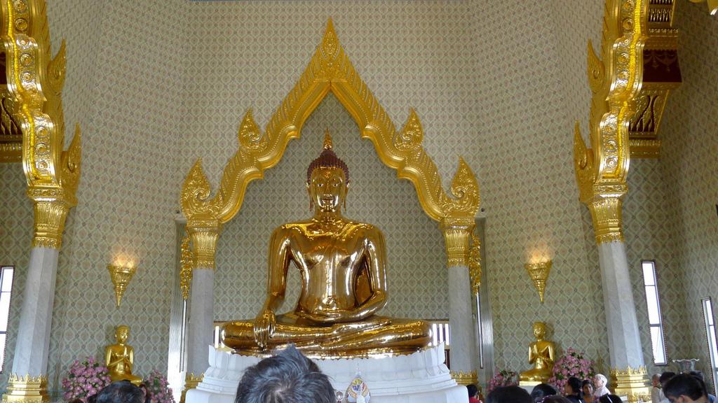 Чем удивляет Храм Золотого Будды Ват Траймит