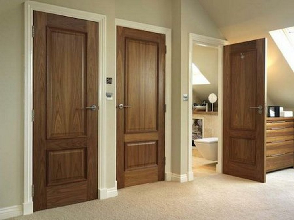 Ульяновские двери в цвете американский орех. Фото санузловых помещений