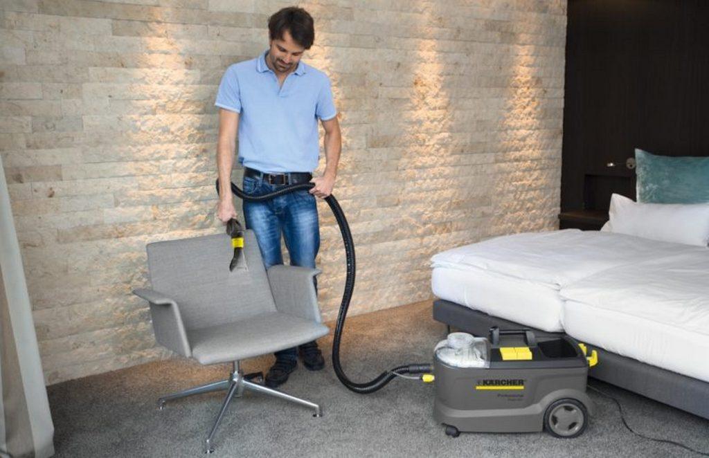 Часто ли надо делать химчистку мягкой мебели