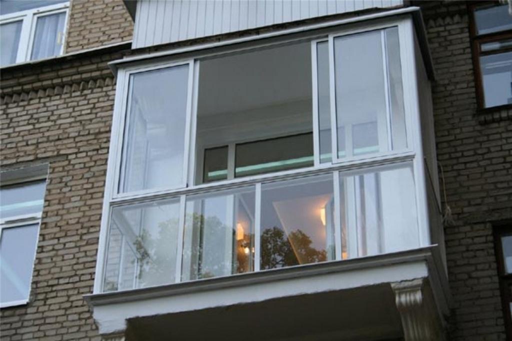 застеклить балкон облегченным профилем ПВХ