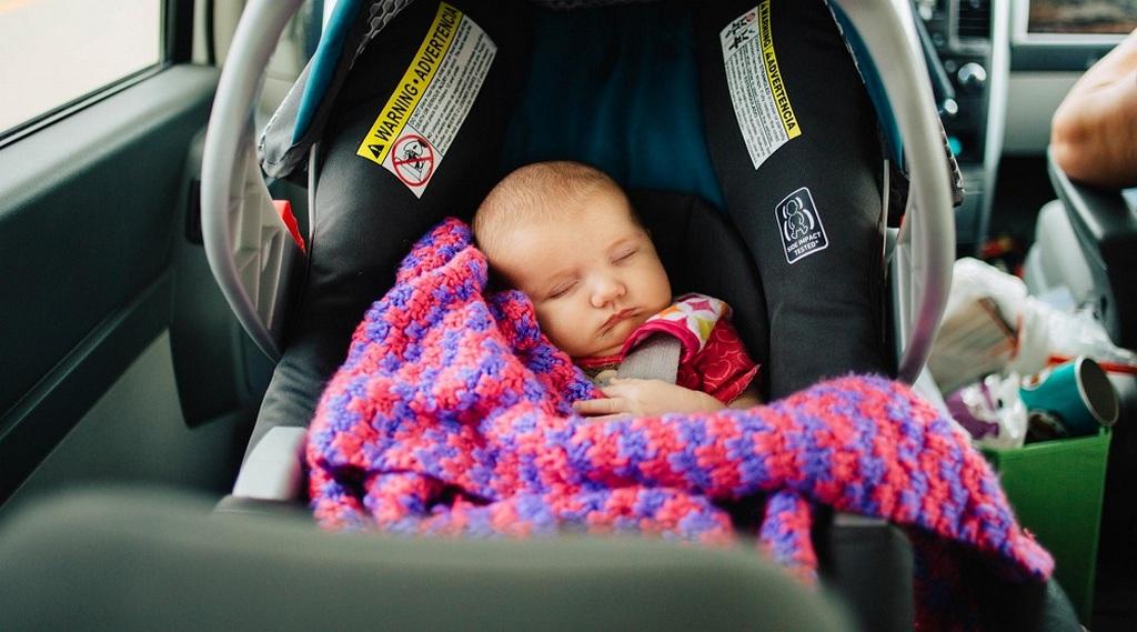 Автомобиль - отличный вариант для путешествия с детьми