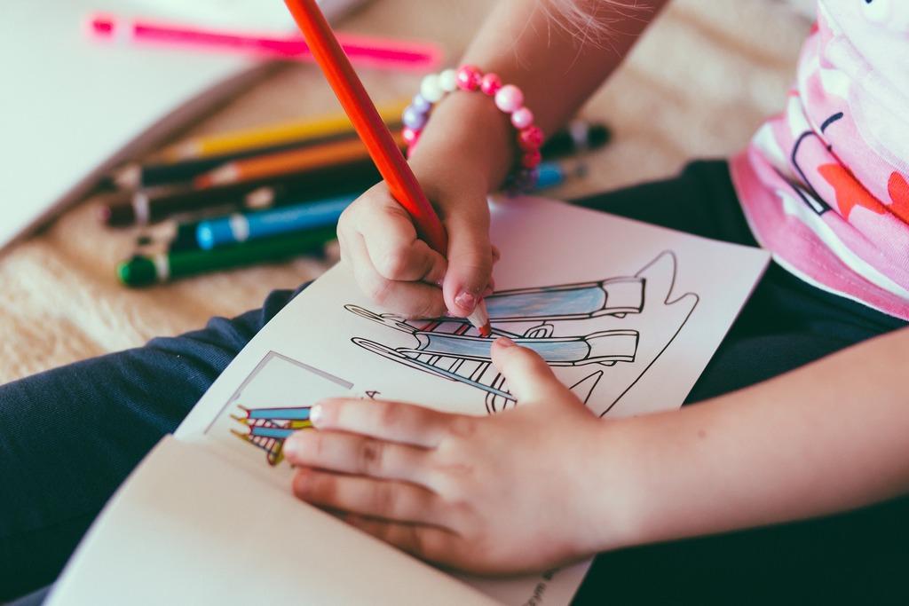 Когда начинать учиться рисовать