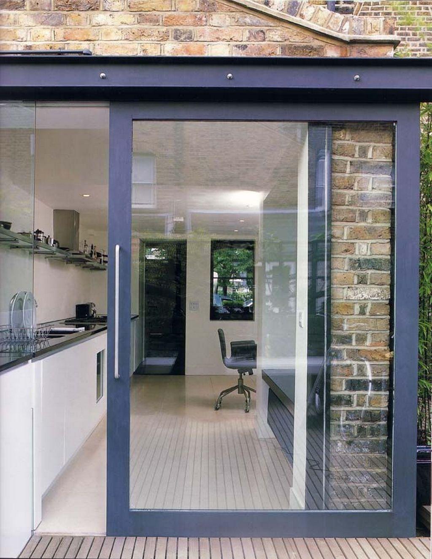 Конструктивные особенности стеклянных раздвижных дверей