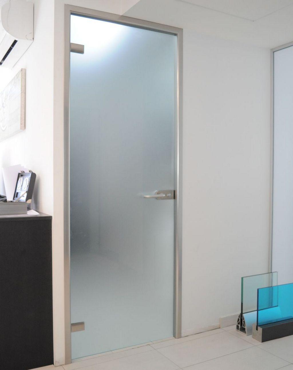 Критерии выбора матовых стеклянных дверей