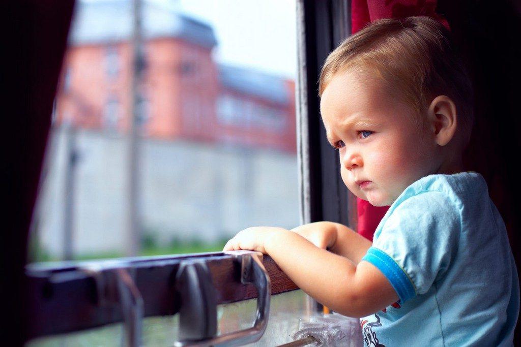 Поезд и маленькие дети