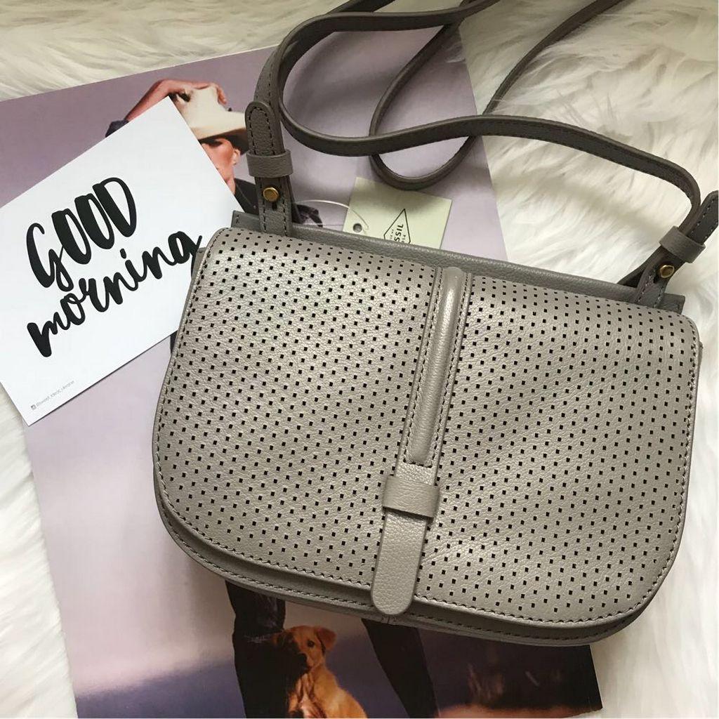 Чем привлекают женские сумочки бренда Фоссил