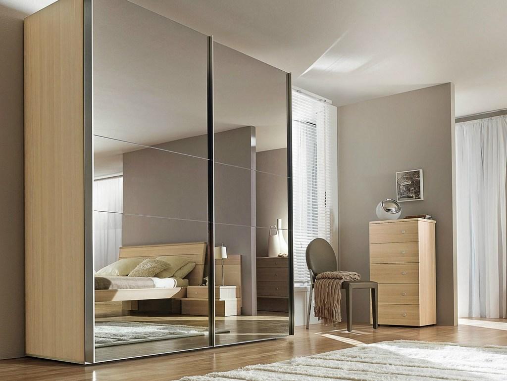 Форма шкафа, конфигурация зеркал