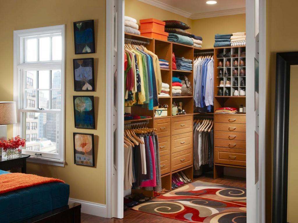 Зачем нужна гардеробная в комнате