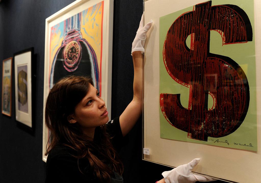 Как правильно инвестировать в предметы искусства?
