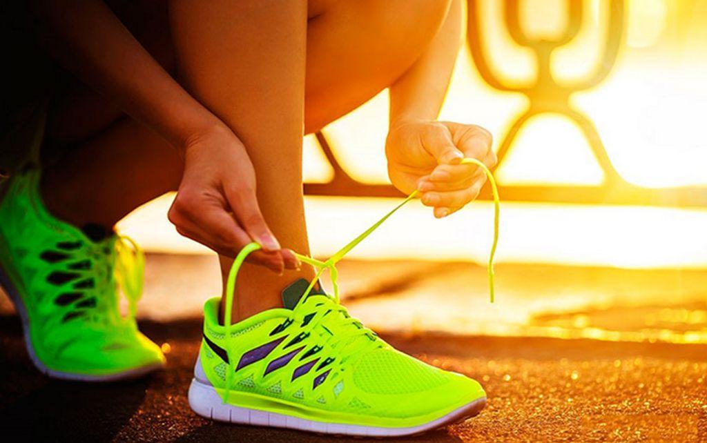 Шнуровка кроссовок в зависимости от типа стопы