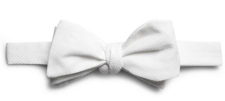 Белый галстук-бабочка
