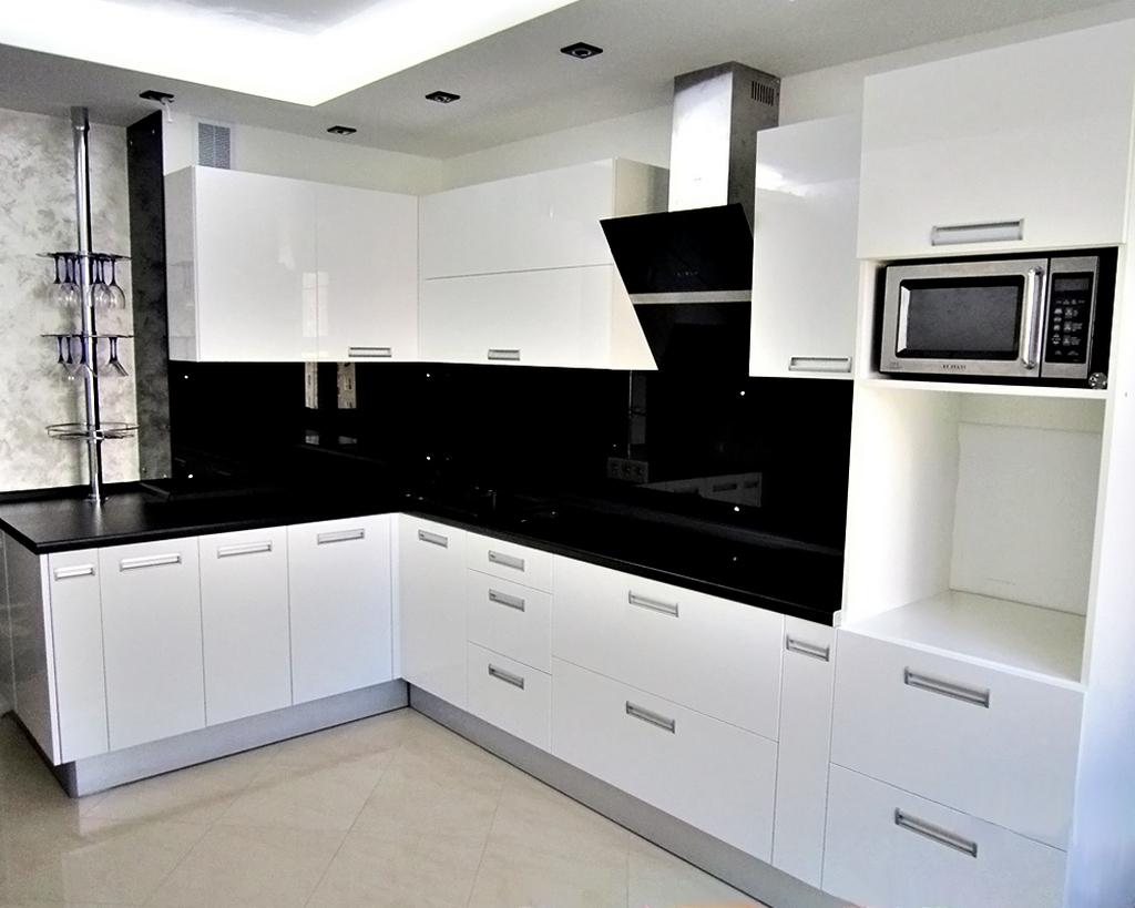 Из каких материалов изготавливают кухонную мебель