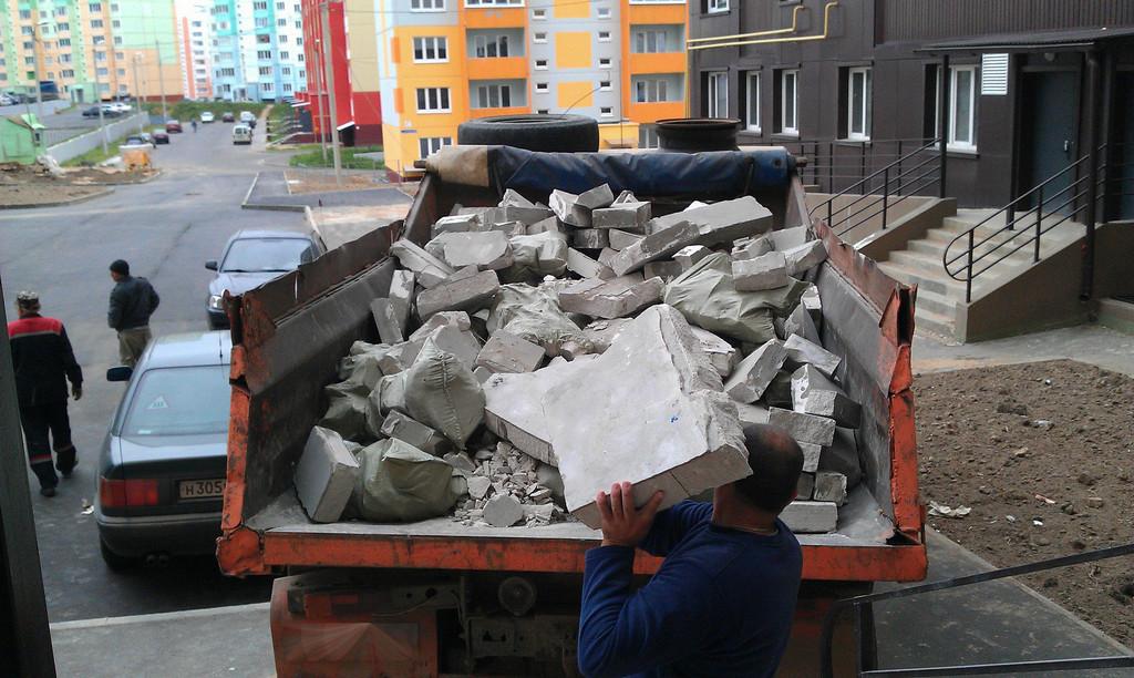 Преимущества заказа услуг мусоровоза