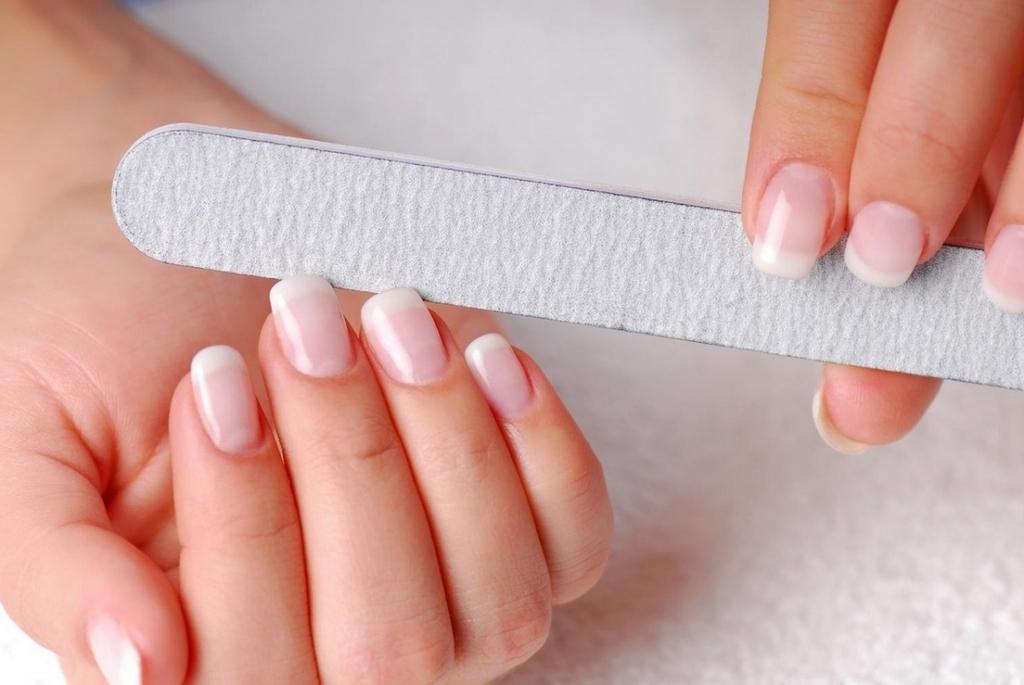 Как правильно проводить коррекцию ногтей