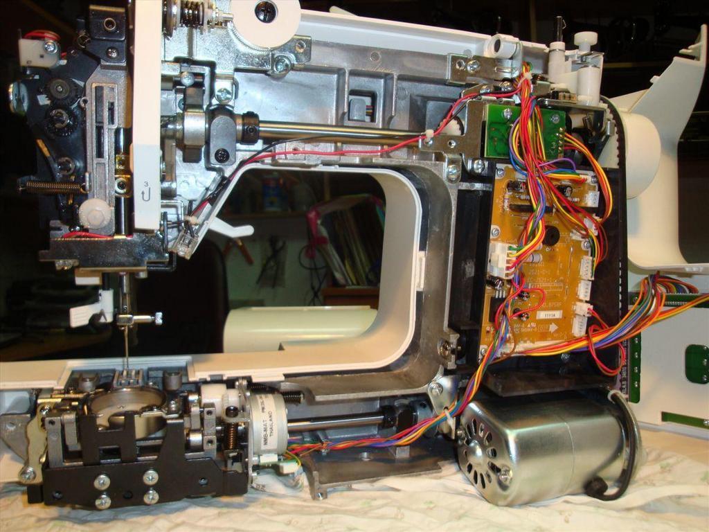 Этапы ремонта швейной машинки