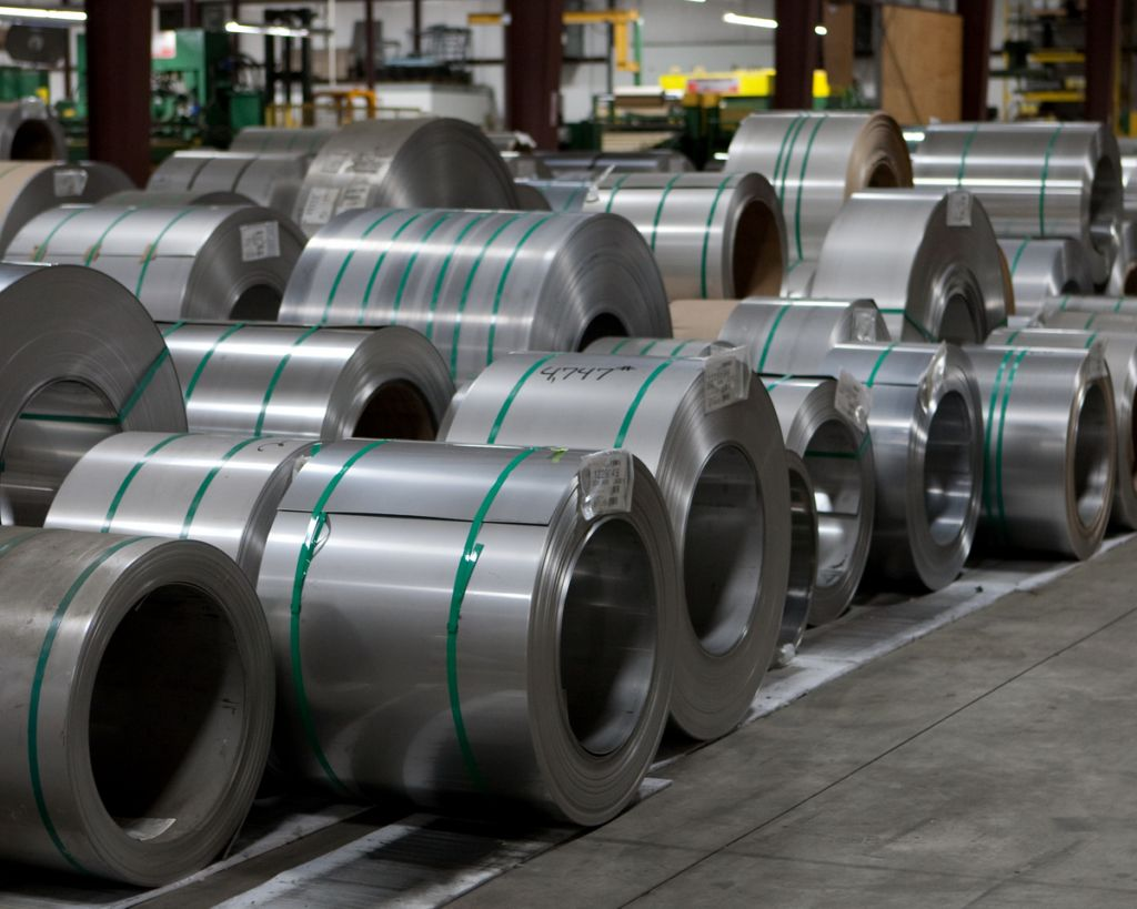 Рулонная сталь: особенности и сферы применения